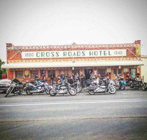 Cross Roads Hotel Tomingley